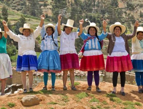 Mujeres andinas en camino
